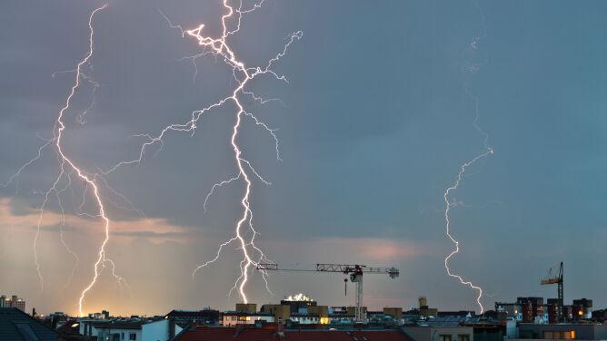 Niebezpieczne burze z gradem. Alerty i prognoza zagrożeń IMGW
