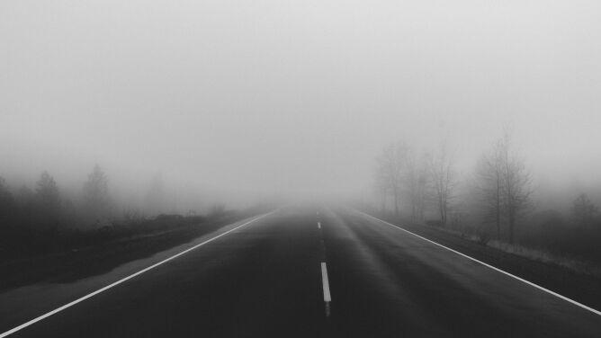 Mgły ograniczają widzialność